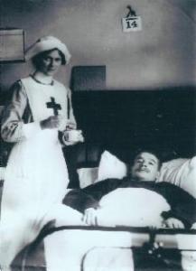 Nursing at an auxiliary hospital