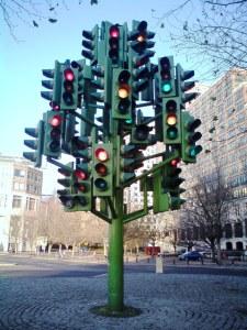 https://centreoftheworld.wordpress.com/2010/03/22/traffic-light-tree/